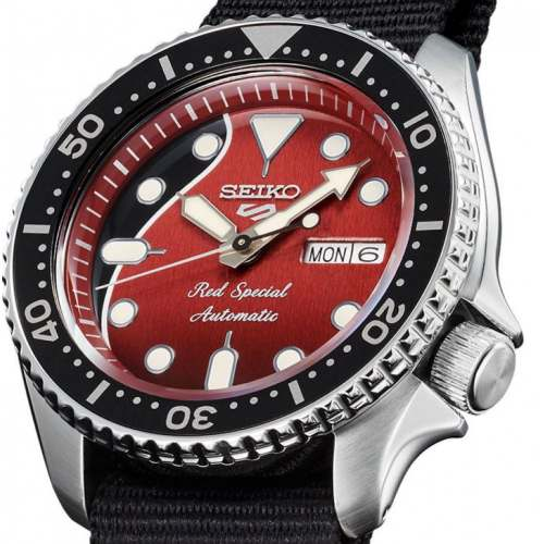 "Relógio Seiko 5 Sports Brian May SRPE83K1 ""RED SPECIAL"" Automático"