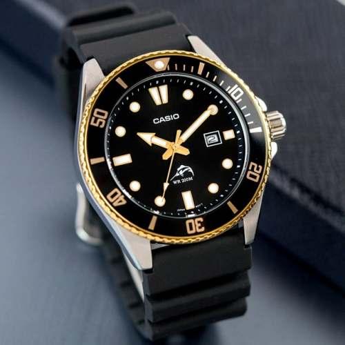 Relógio Casio DURO MDV106G-1A Marlin 200M Preto e Dourado